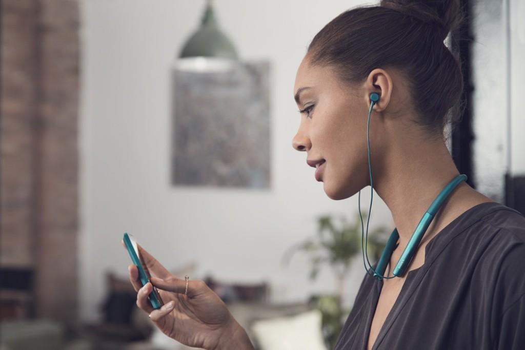 h.ear_in_Wireless_L_Lifestyle_2__1500
