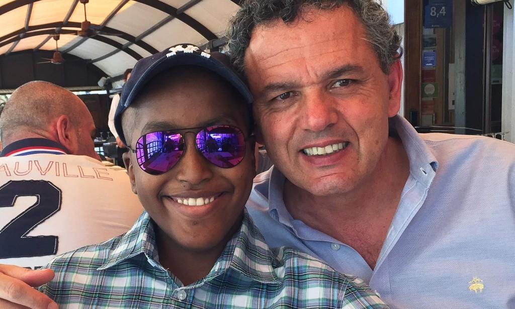 accedere all'iPhone Leonardo Fabbretti con il figlio Dama