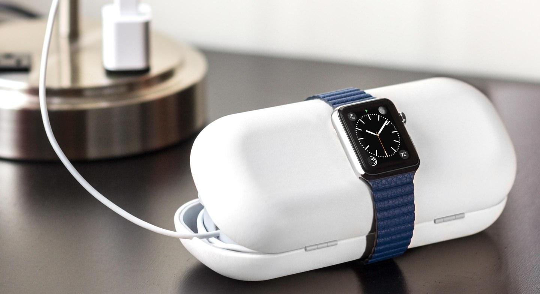 Apple Iphone 6 Rosso Custodia Allindietro Isolato Su Sfondo Bianco