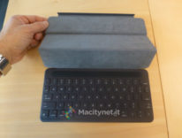 Smart Keyboard per iPad Pro 9.7 pollici, primo contatto in una fotogalleria