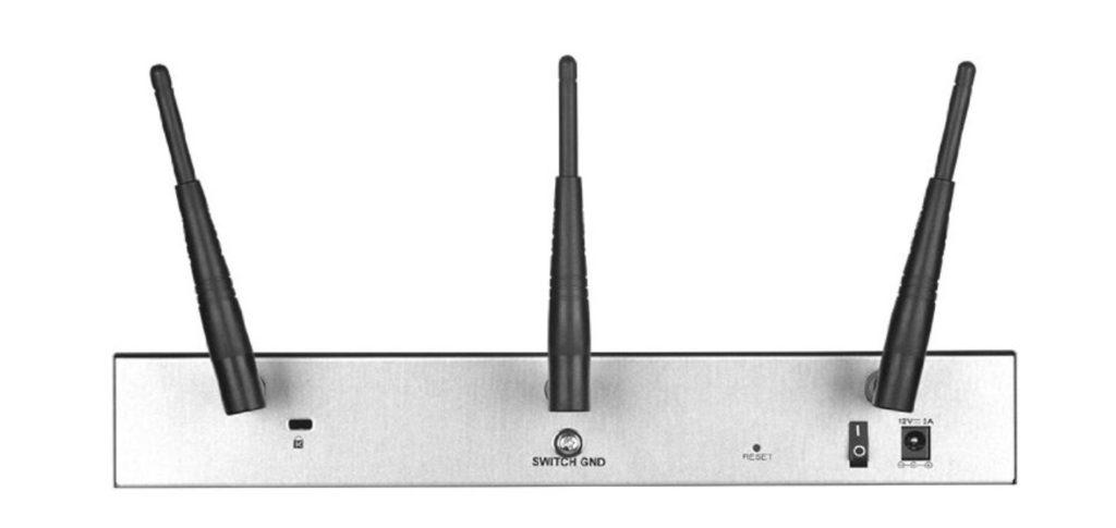 D-Link DSR-1000AC 1
