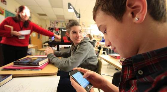 smartphone in classe 01
