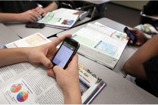 smartphone in classe 02