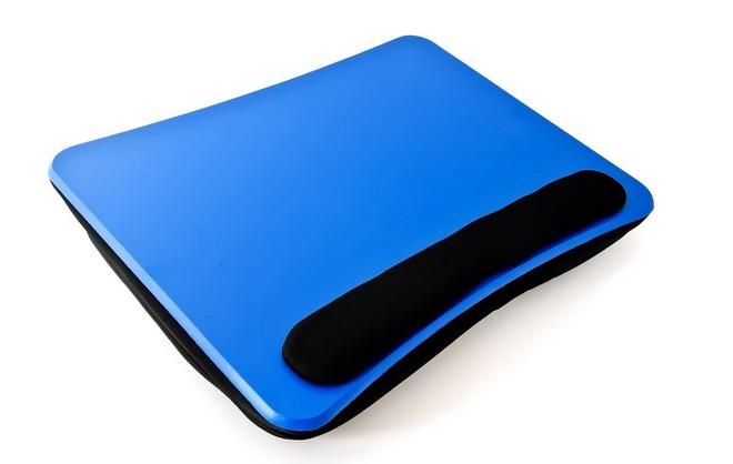 Cuscino Ikea Per Pc Portatili.Quattro Accessori Per Non Scottarsi Le Gambe Con Il Portatile