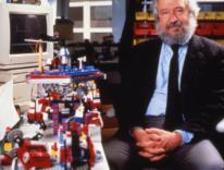 Addio a Seymour Papert, papà del Logo e pioniere della tecnologia nell'educazione