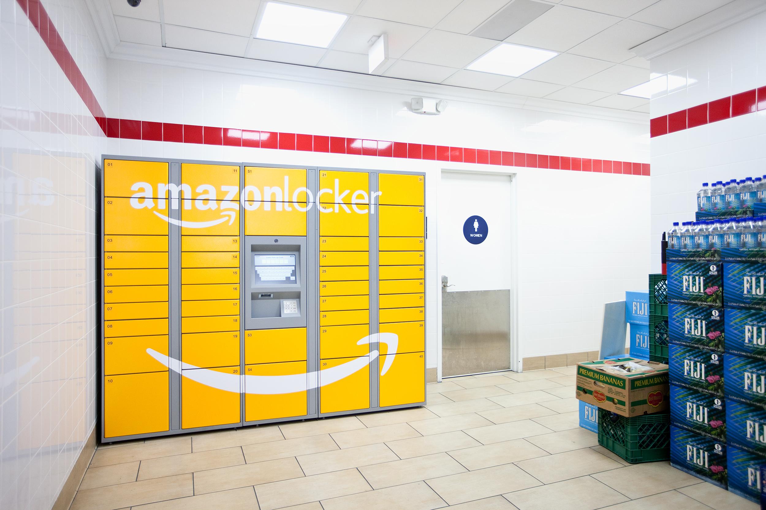Dhl Pickup Locations >> Amazon Locker sbarca in Italia: già 43 i punti di ritiro ...