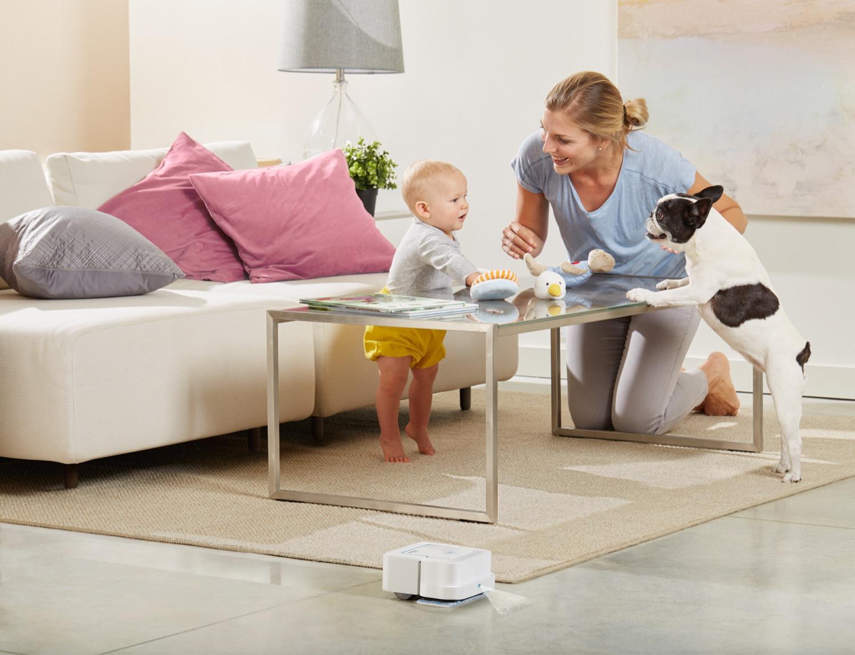 Braava iRobot B240_Livingroom1_1500