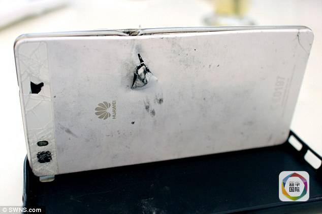 Huawei P8 salva la vita