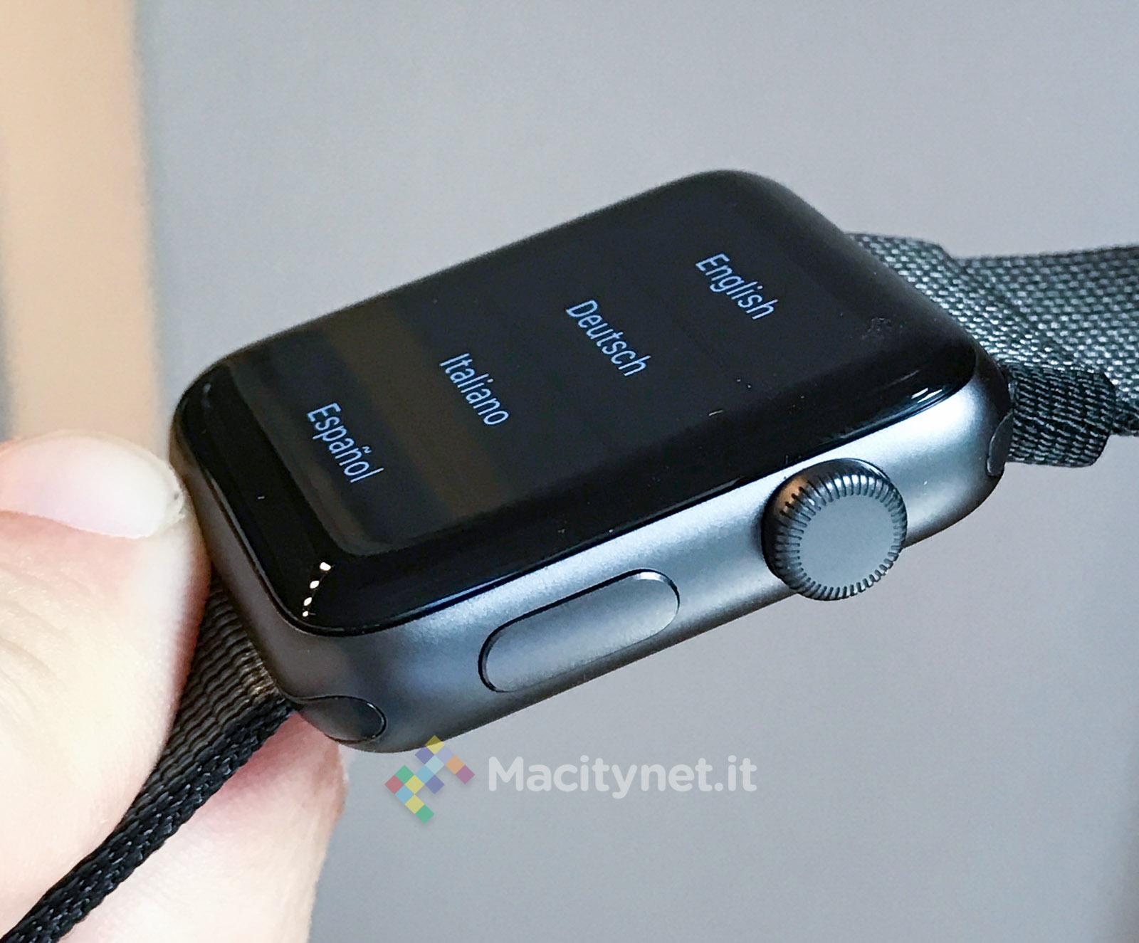 Spacchettamento e dettagli di Apple Watch Series 2 nero alluminio