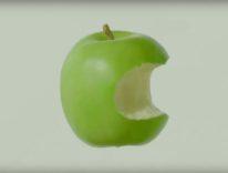 cinque video apple mela morsicata