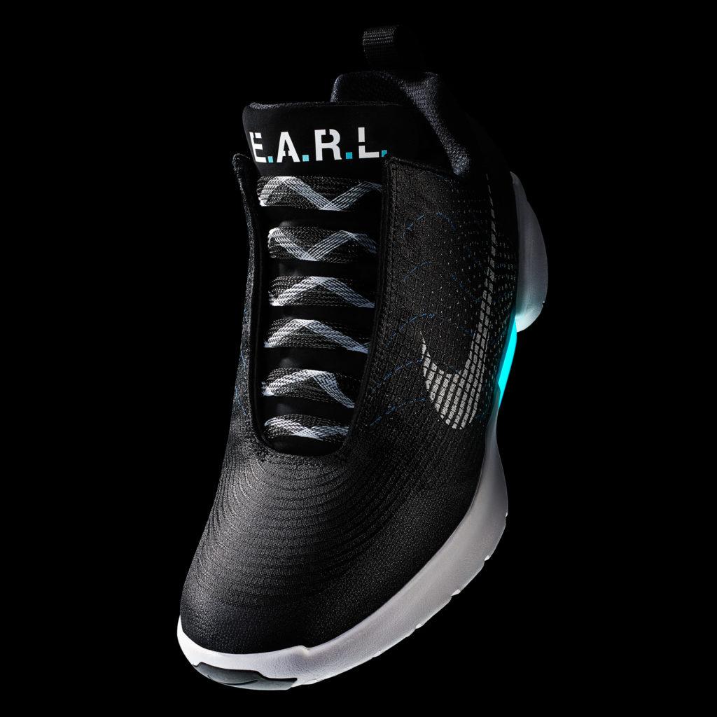 Sole Allacciano Nike 28 Si Arrivano Il Le Scarpe Che Hyperadapt Da wXf0Xqxa
