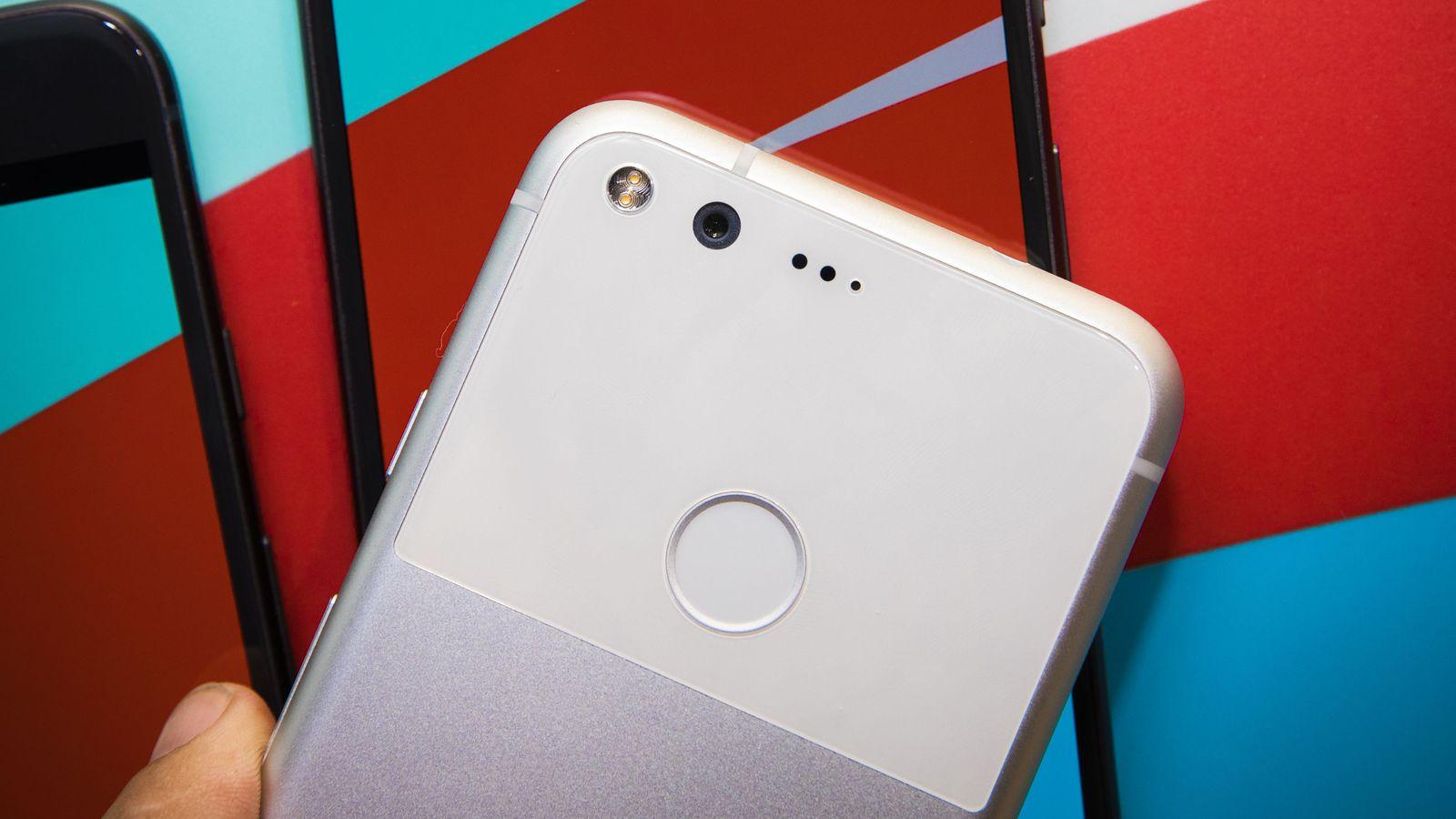 Google Pixel, nella confezione l'accessorio per abbandonare iPhone