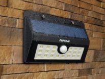 Lampada LED da esterno con ricarica solare, accensione al movimento: 15,99€