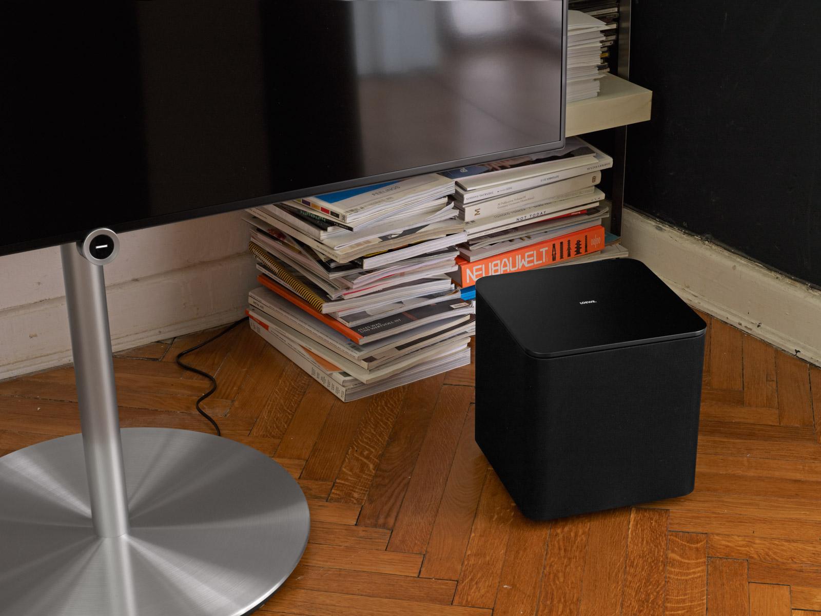 diffusori passivi klang 1 con loewe il cinema in tv compatto e di stile. Black Bedroom Furniture Sets. Home Design Ideas