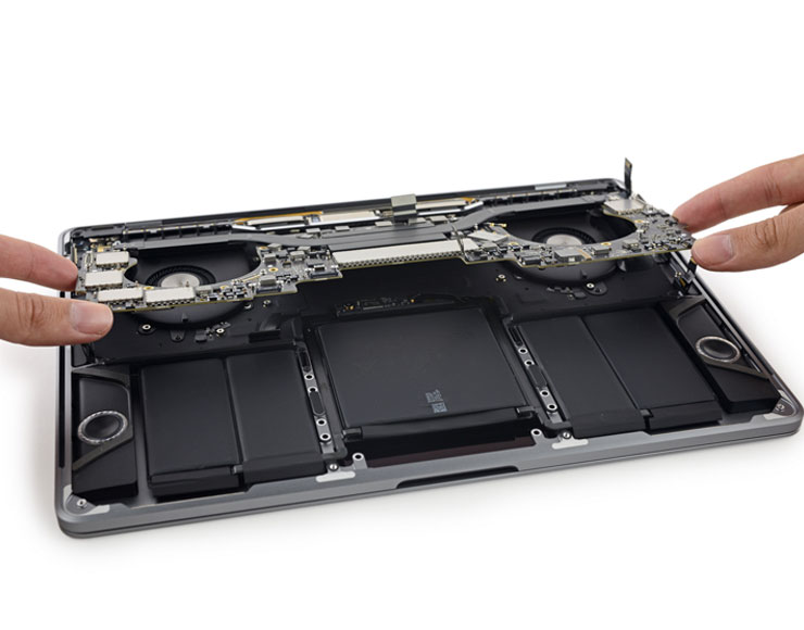 Smontaggio MacBook Pro 13