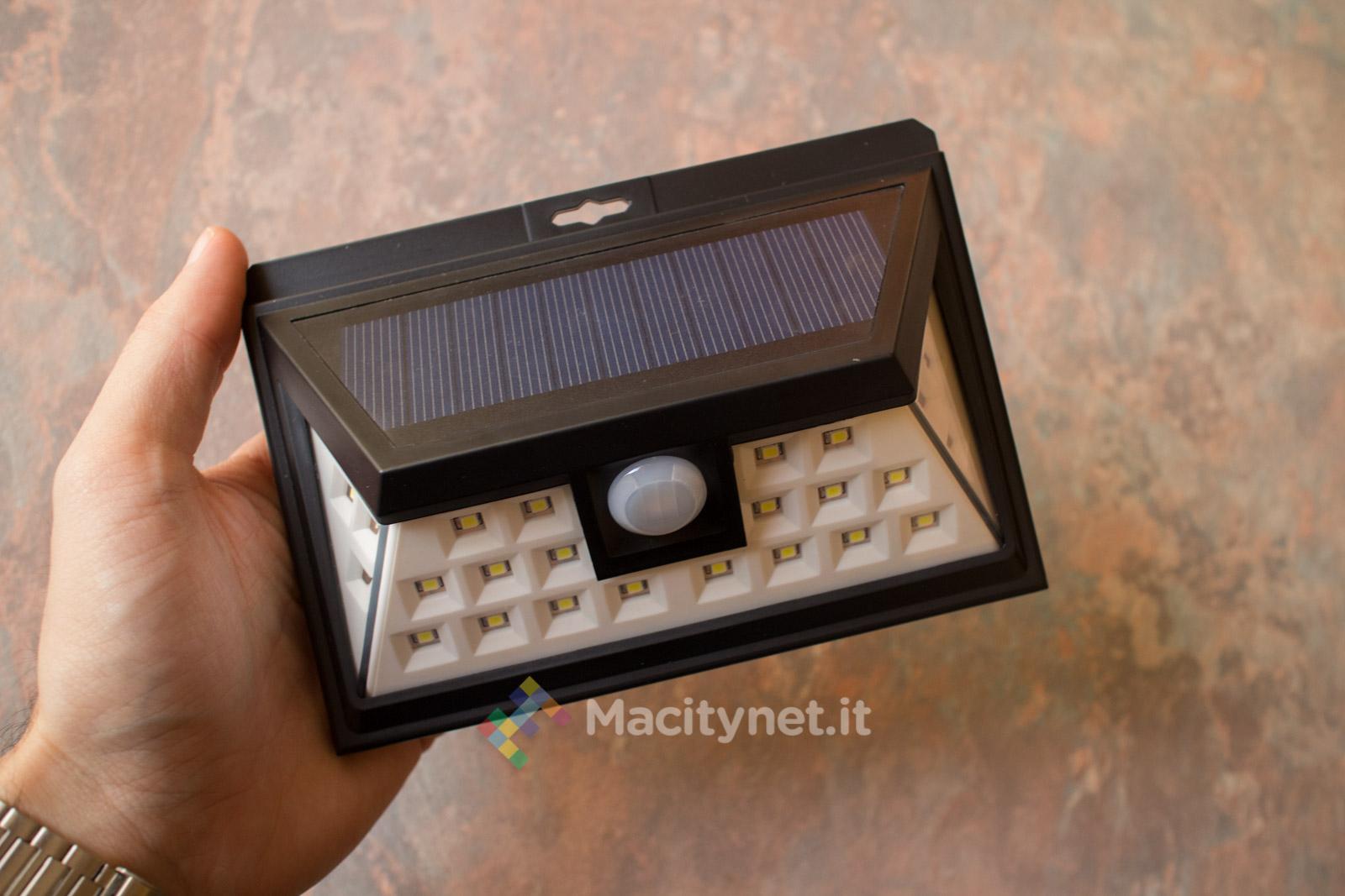 Mpow gecd011ab la lampada da esterno con ricarica solare e sensore
