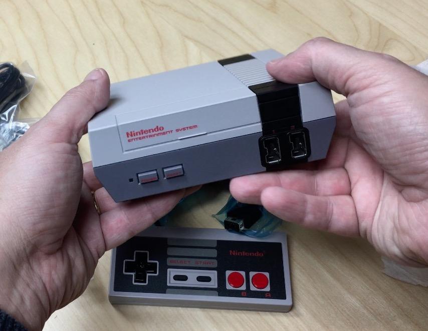 Nintendo Classic Mini unboxing nes24