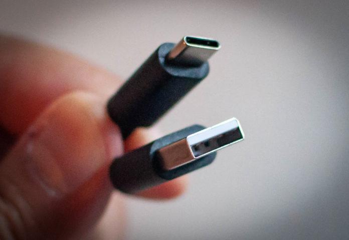 L'USB è un bel tipo: storia e prospettive di un formato immortale