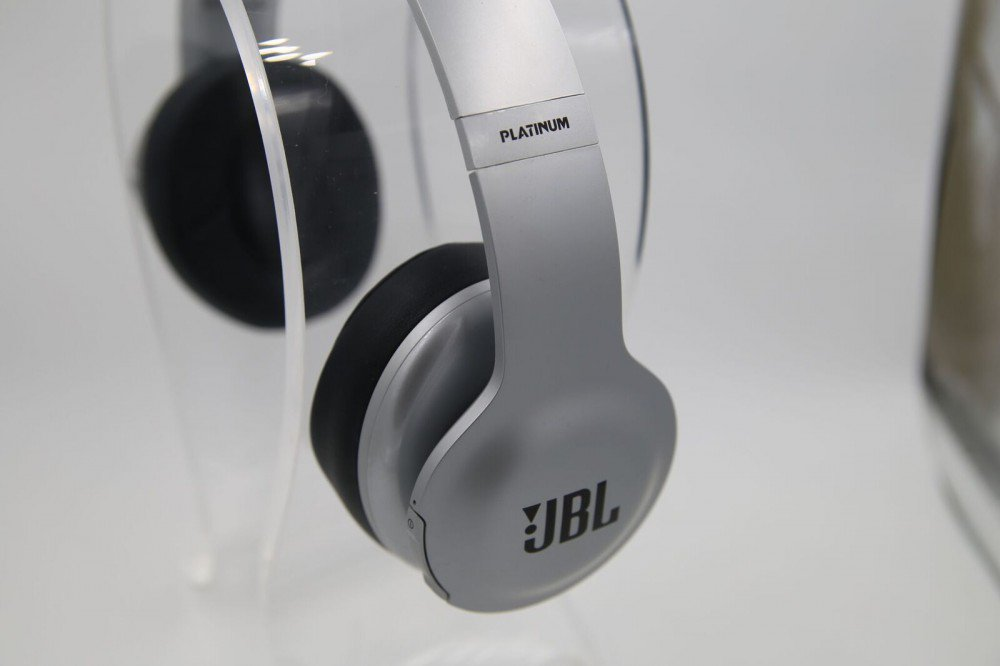 Platinum JBL Everest Elite 700