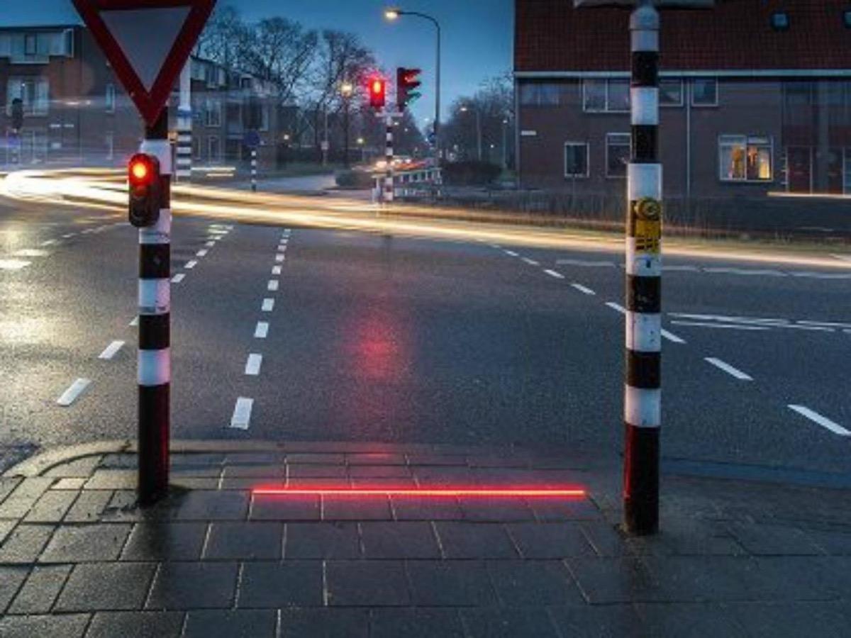 semaforo marciapiede