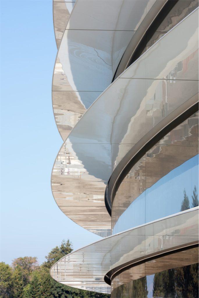 apple park photo-4-building-closeup