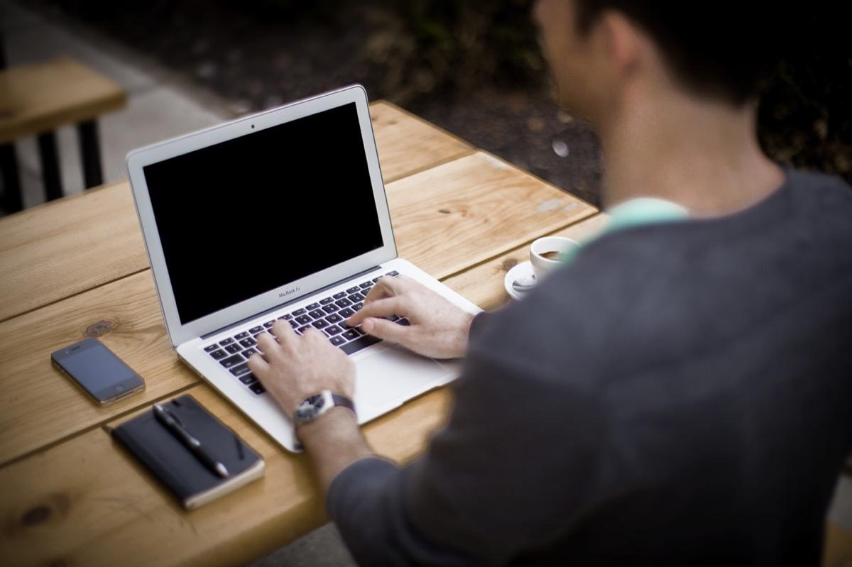 Lavorare In Ufficio Yahoo : Ibm basta telelavoro da domani tutti in ufficio macitynet