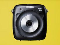 Fujifilm Instax Square SQ10, la fotocamera istantanea per metà digitale