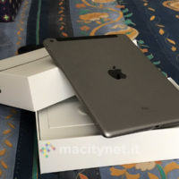 Nuovo iPad 2017 unboxing