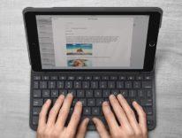 Logitech Slim Folio è la cover con tastiera per iPad 2017 con 4 anni di autonomia