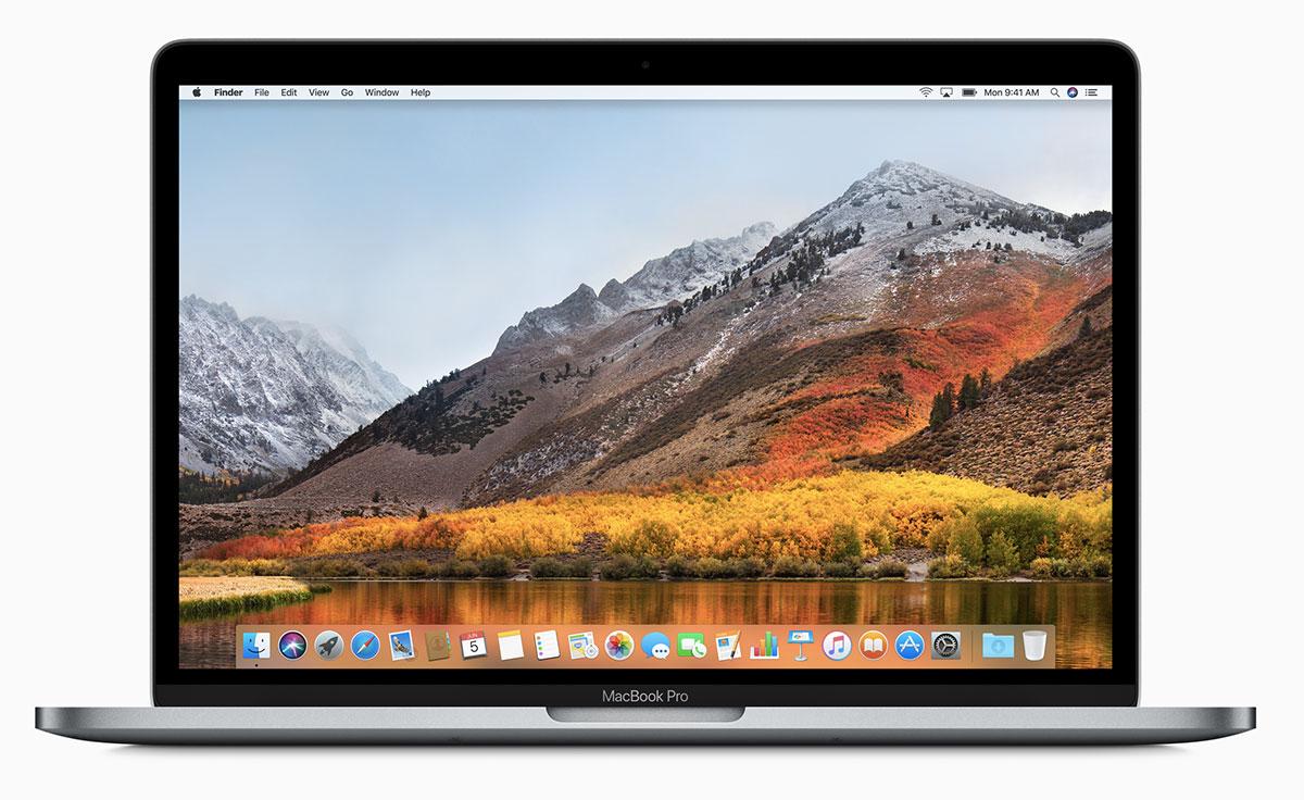 """Il MacBook Pro 15"""" ha ora di serie grafica discreta più potente e ancora più memoria video."""