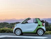 Smart fortwo cabrio, a luglio il modello con propulsione elettrica a batteria