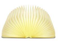 Lampada LED con cassa in legno, sembra un libro: sconto a 27,89 euro