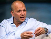 Tony Fadell «Per costruire iPhone Apple ha dissezionato 100 dispositivi concorrenti»