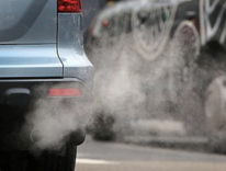 Francia, dal 2040 il bando alle auto a benzina e gasolio