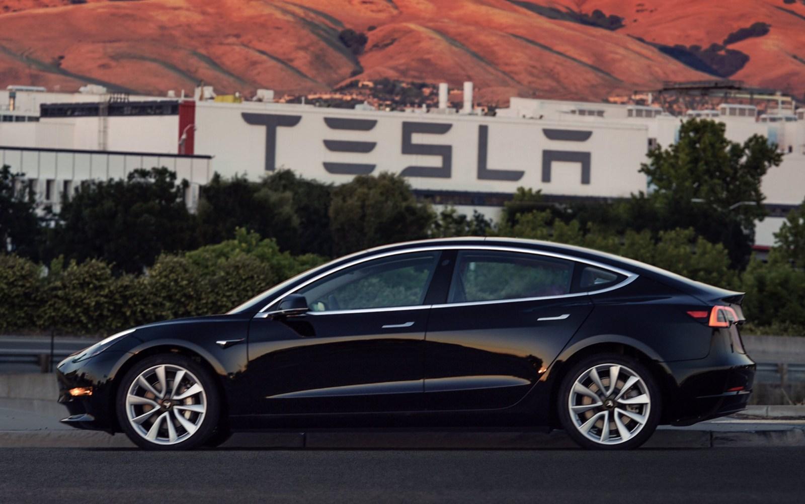 Tesla Model 3 pronta