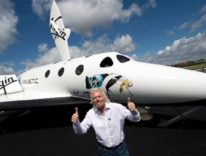 Virgin Galactic, i voli spaziali per turisti inizieranno nel 2018