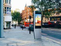 Londra, le storiche cabine telefoniche sostituite da chioschi Wi-Fi superveloci