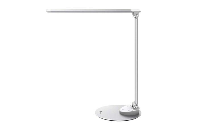 Ancora per poco, sconto su lampada LED di qualità con USB per ricarica: 39,99 euro