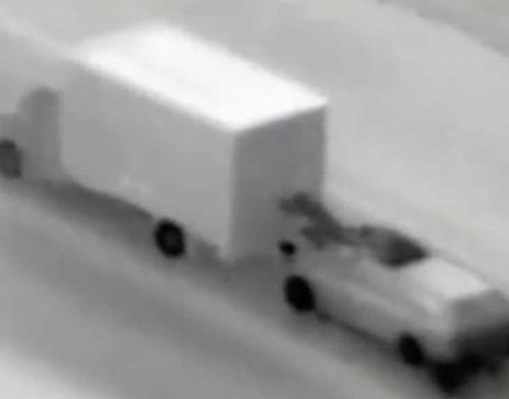 abbordaggio dei camion in movimento
