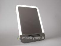 Specchio LED Abody, per truccarsi con un po' di touch