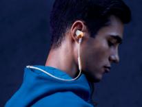 Flyer, le prime cuffie wireless di Fitbit progettate per gli sportivi