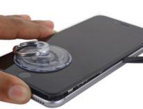 Sostituire la batteria di iPhone 7 e 7 Plus, i kit iFixit per riparare anche schermo, camera e sensori