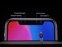 La libertà del design Apple e quell'asola di iPhone X ingombrante ma utilissima