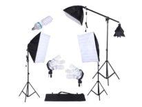 Kit di tre luci per studio fotografico casalingo in offerta a 79,99 euro