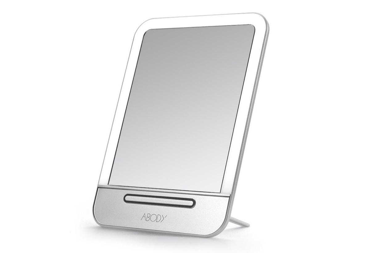 Specchio da tavolo con cornice led e controlli touch in sconto a 14 99 euro - Specchio da tavolo ...