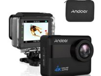 Action cam 4K touch con valigetta carica di accessori: sconto a 64,48 euro