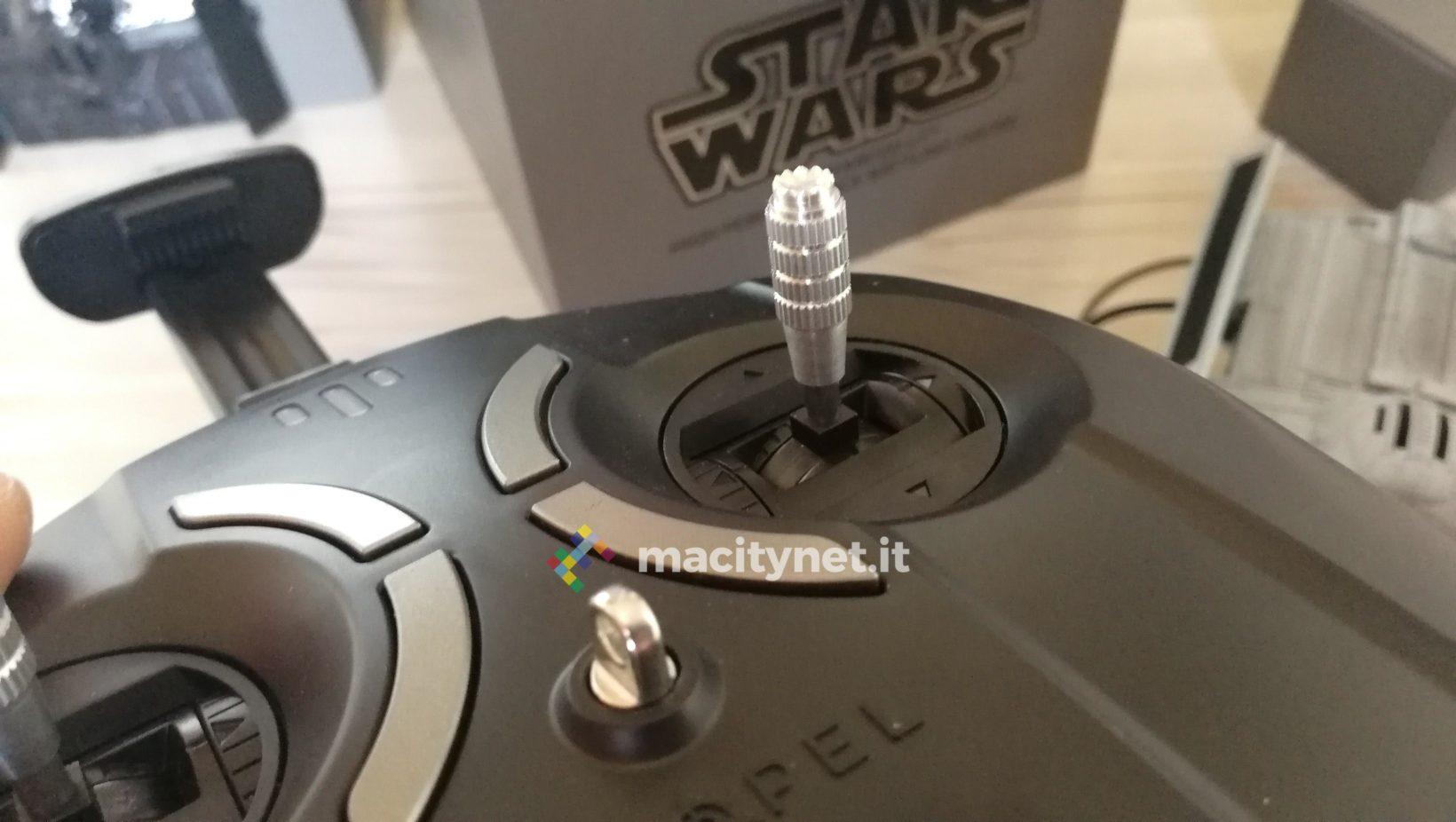 Le manopole del controller del drone