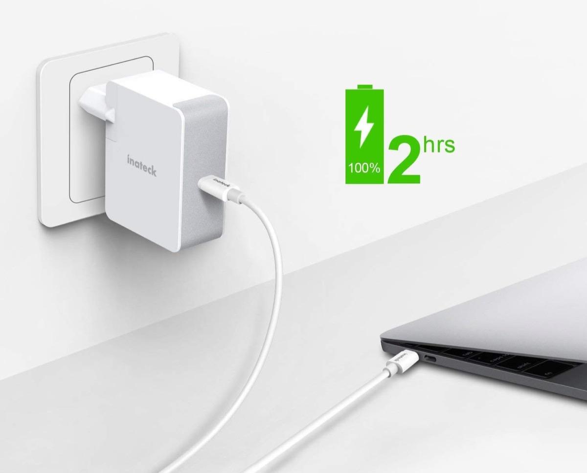 Caricatore USB-C da 45W con cavo da 2 metri incluso in offerta a 26,99 euro