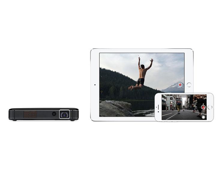 Due proiettori per iphone ipad macbook e apple tv in for Application miroir iphone