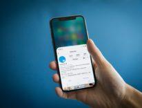 Reachability su iPhone X, l'accesso facilitato che consente l'uso a una mano